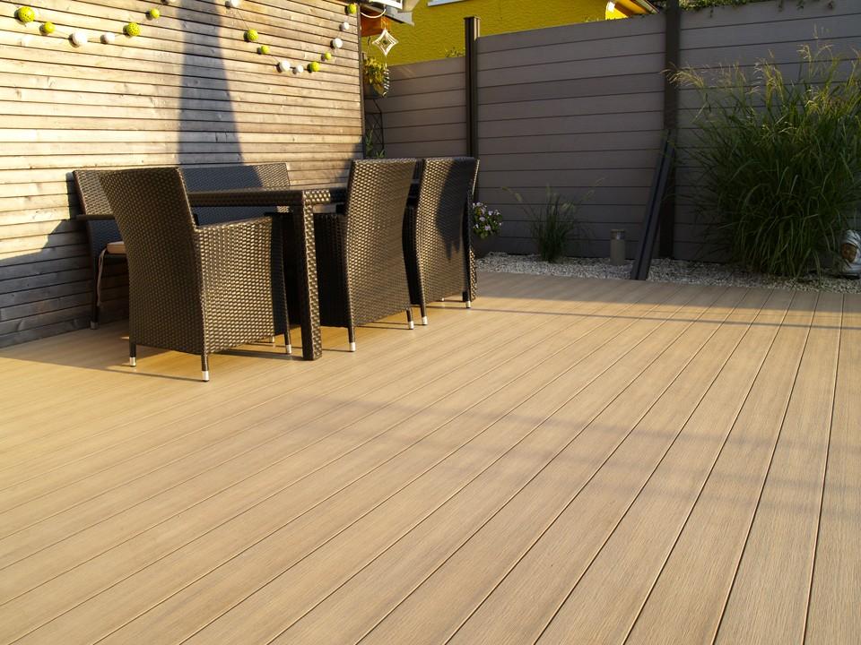 <p>WPC Terrassendiele</p>  <p>Prime-Living S-Line</p>  <p>Farbton: Teak, 22x140mm</p>