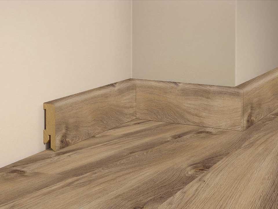 <p>Sockelleiste foliert 16x50mm</p>  <p>Eiche Riverside, 240 cm lang</p>
