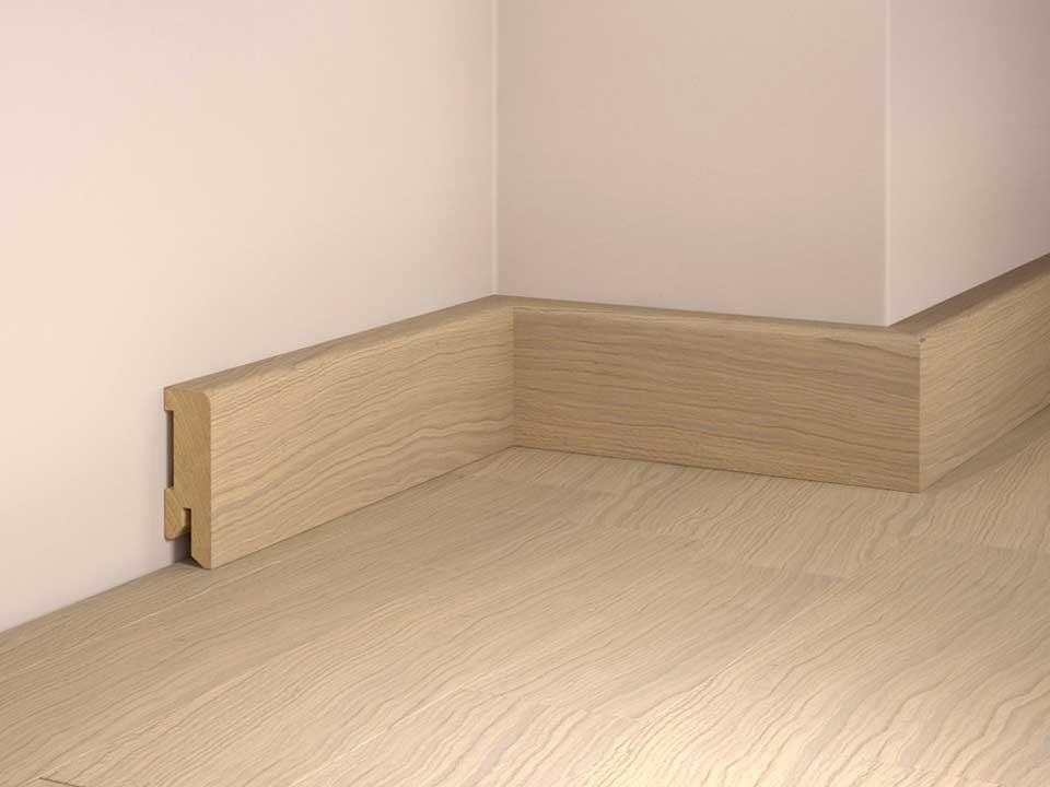 Sockelleiste furniert 16x50 mm<br /> Eiche weiß, 250 cm lang