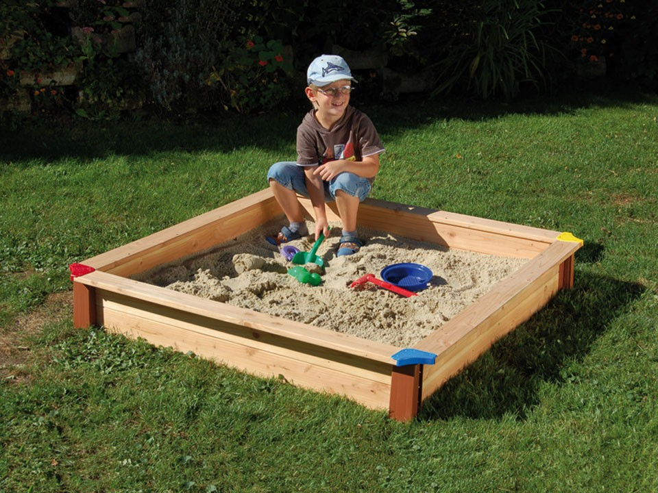 <p>Sandkasten Douglasie</p>  <p>Größe: 150 x 150 cm</p>
