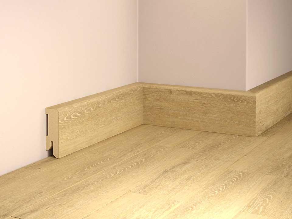 <p>Sockelleiste foliert 16x50mm</p>  <p>Eiche Kansas, 240 cm lang</p>