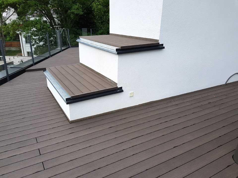 <p>WPC Terrassendiele</p>  <p>Prime-Living S-Line</p>  <p>Farbton: Wenge, 22x140mm</p>