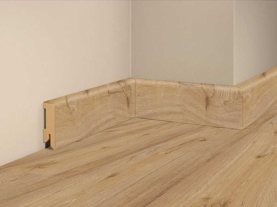 <p>Sockelleiste foliert 16x50mm</p>  <p>Eiche Nevada, 240 cm lang</p>