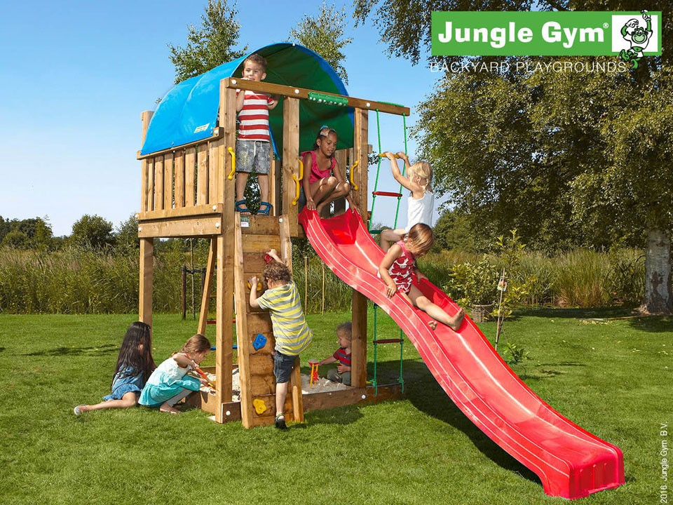 <p>Jungle Gym Villa</p>  <p>aus druckimprägniertem&nbsp;Nadelholz, inkl. Rutsche</p>