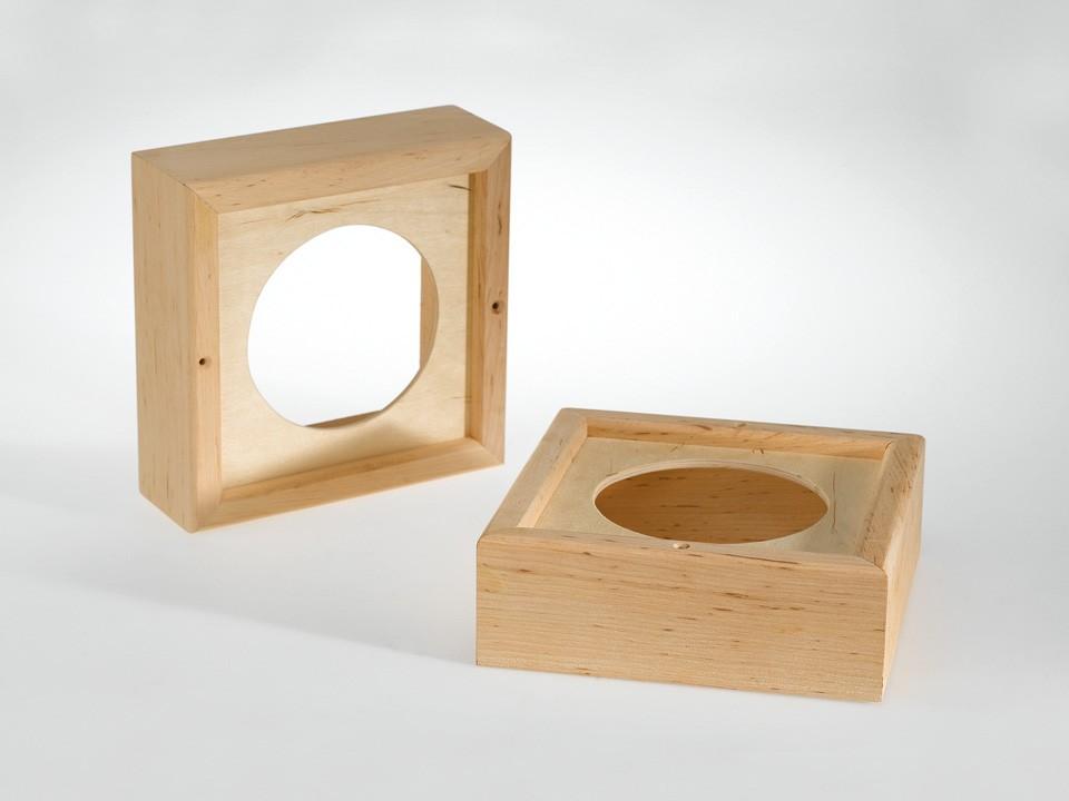 <p>Holzrahmen für Lautsprecher</p>  <p>aus Erlenholz</p>