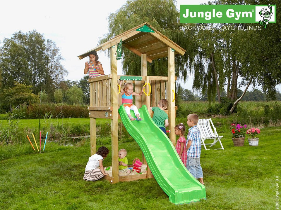 <p>Jungle Gym Casa</p>  <p>aus druckimprägniertem Nadelholz, inkl. Rutsche</p>